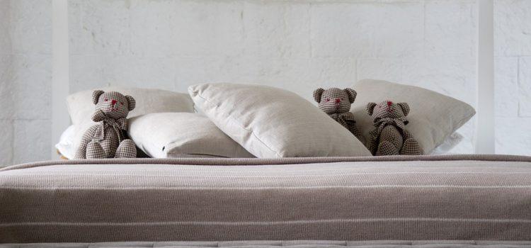 Quelques astuces pour utiliser un oreiller de voyage dans votre chambre