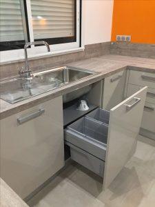 La poubelle sous évier coulissante : le must pour une cuisine fonctionnelle et pratique